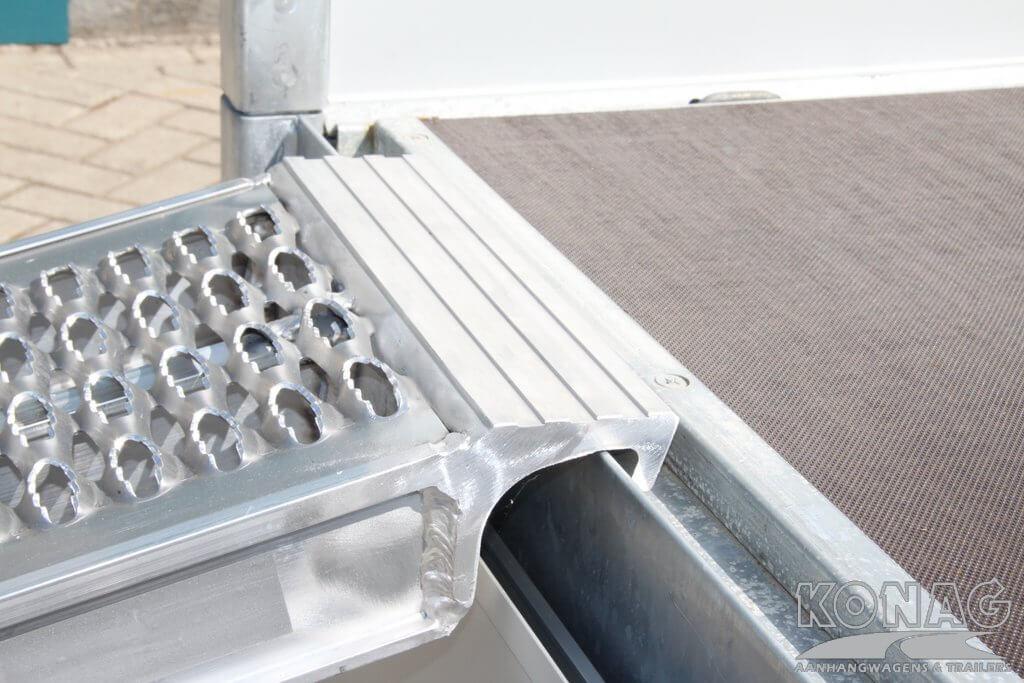 Haakverbinding aluminium oprijplaten